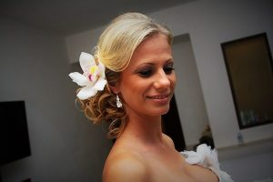Messy bridal up in Riviera Maya, Mexico by Doranna Wedding Hairstylist & Bridal Makeup Artist
